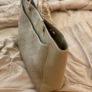 Tory Burch bag (color:nude)